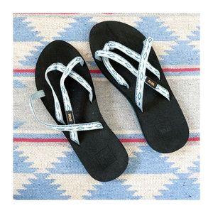 NWOT - NEVER WORN   Teva   Flip Flops / Sandals